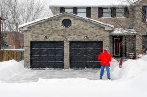 4 Tâches importantes d'entretien résidentiel extérieur pendant les mois d'hiver